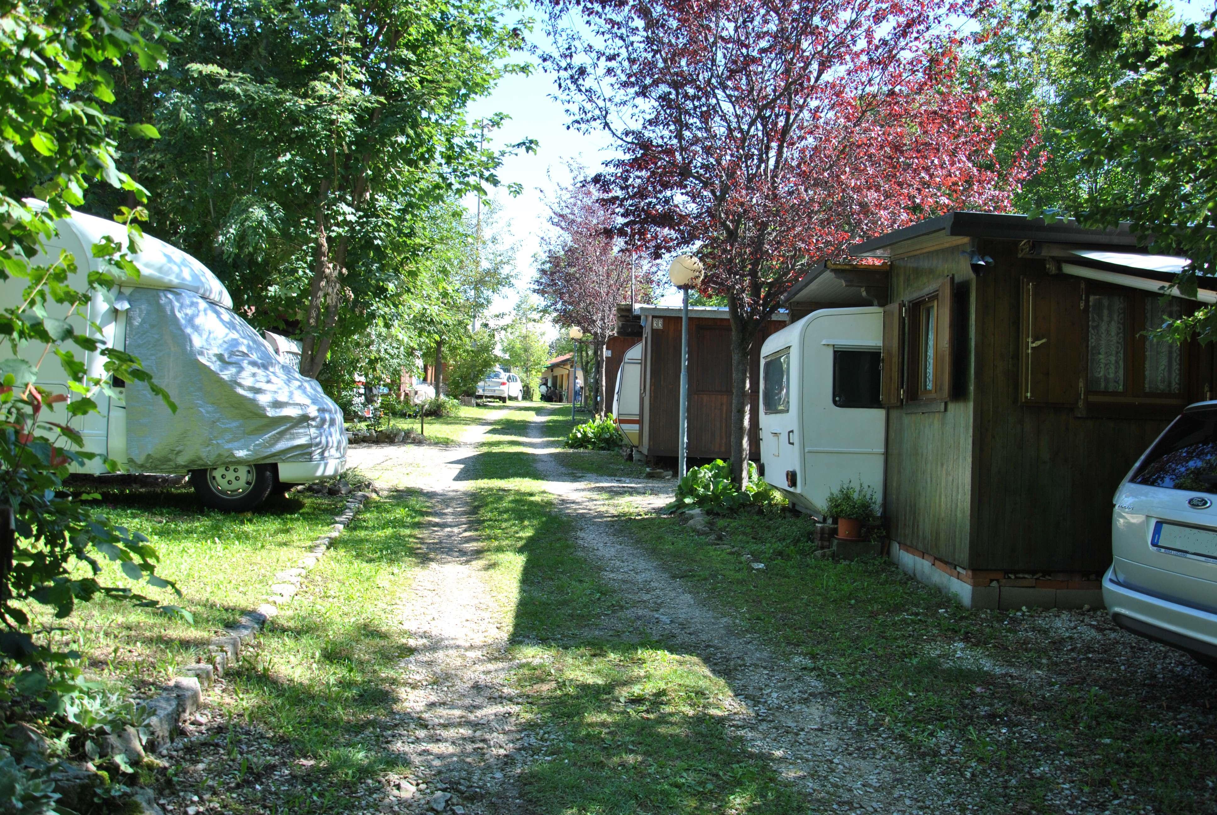 viale-22-camping-club-cerbaro