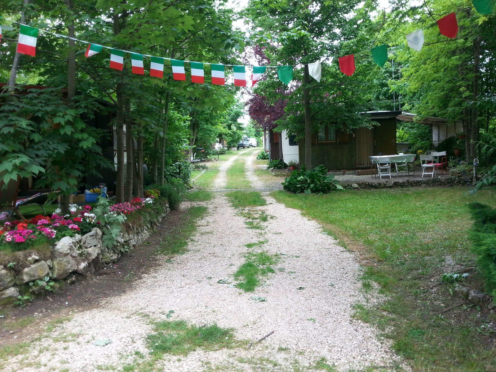 viale-tre-c-camping-club-cerbaro-e1478959620758